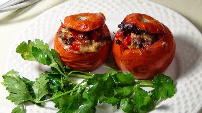 баклажаны в духовке в помидорах