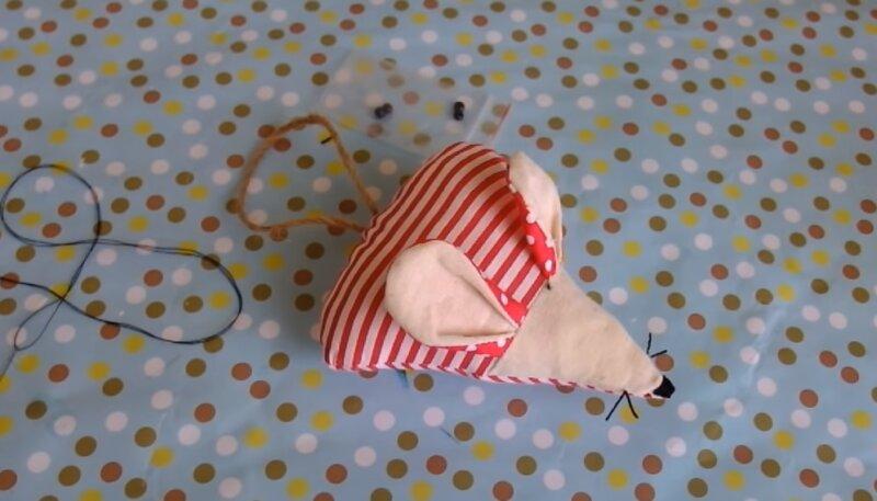 крыса с хвостиком