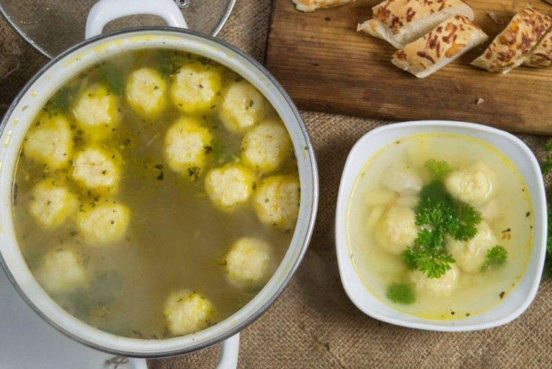 суп с куриными клецками
