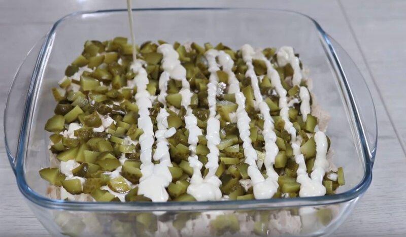 Самый популярный салат на Новый год после селедки под шубой