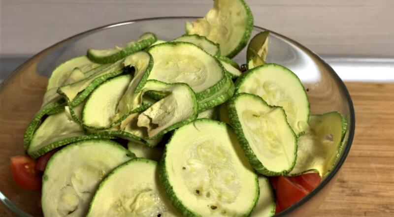 кольца кабачков в салате
