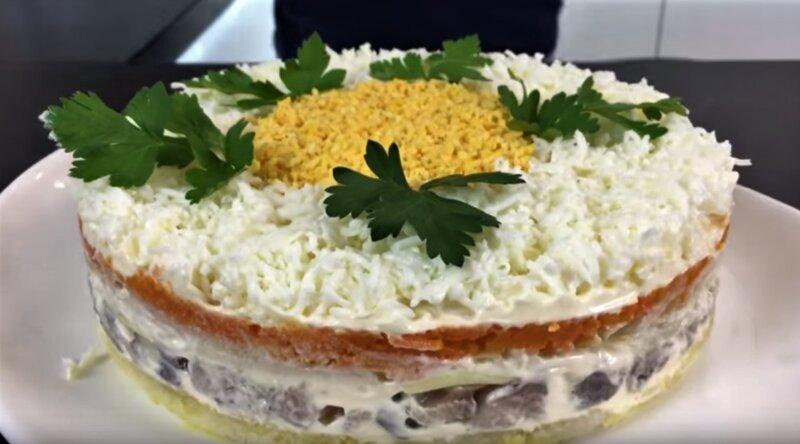 вкусный и простой салат селедка под шубой