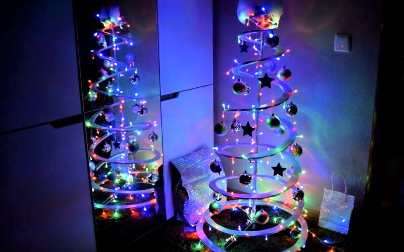 стильная елка из подручных материалов