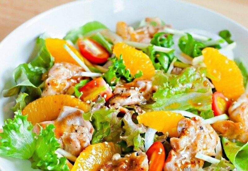 мясной салат с апельсинами