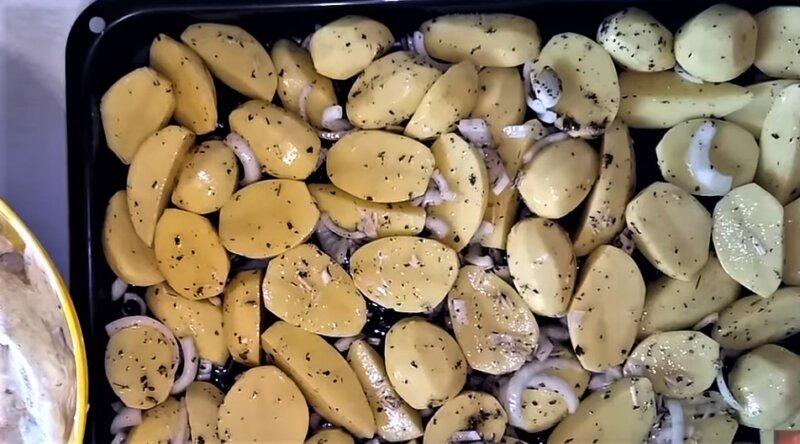 картошка на противне