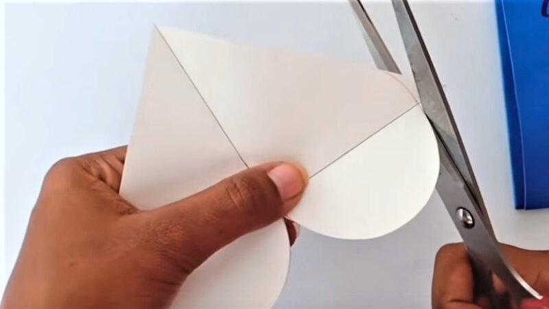 белое сердце из бумаги