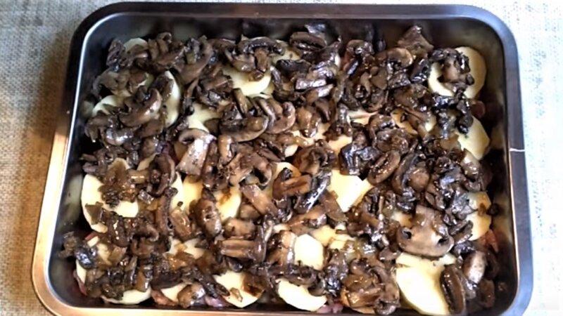 грибы на картошке