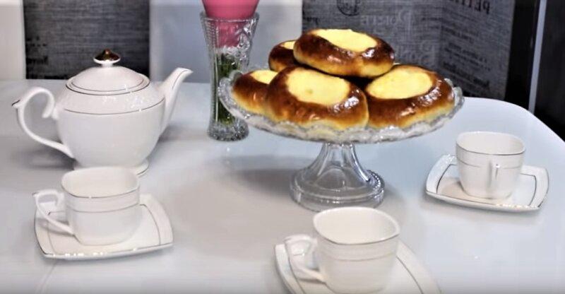 ватрушки с чаем
