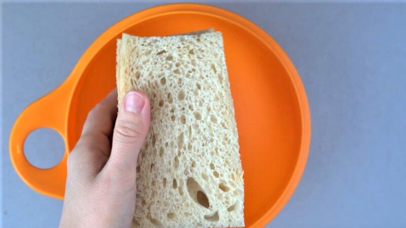 хлеб в чашке