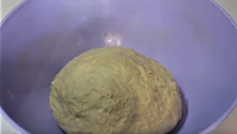 тесто в чашке