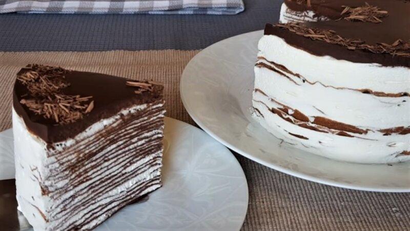 шоколадно блинный торт - кусочек торта