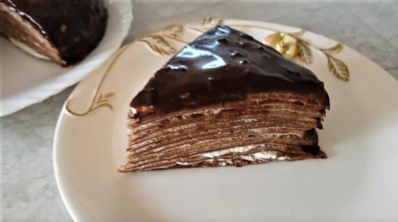 шоколадный блинный торт - кусок