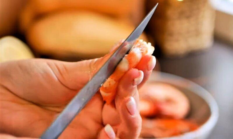 нож с креветкой