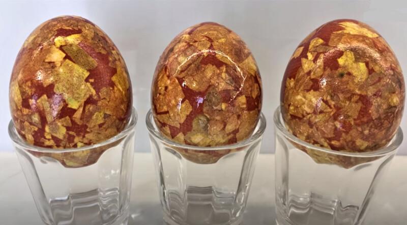 яйца в узорах