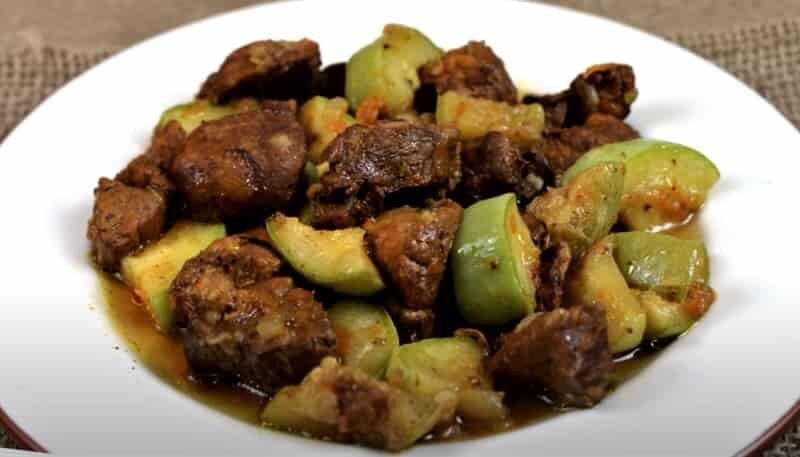 блюдо с кабачками и мясом