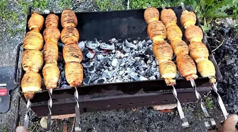 приготовление картошки на шампурах