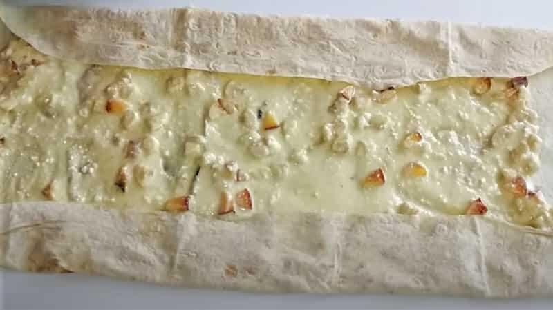 Рулет из лаваша в духовке — рецепты выпечки с разными начинками