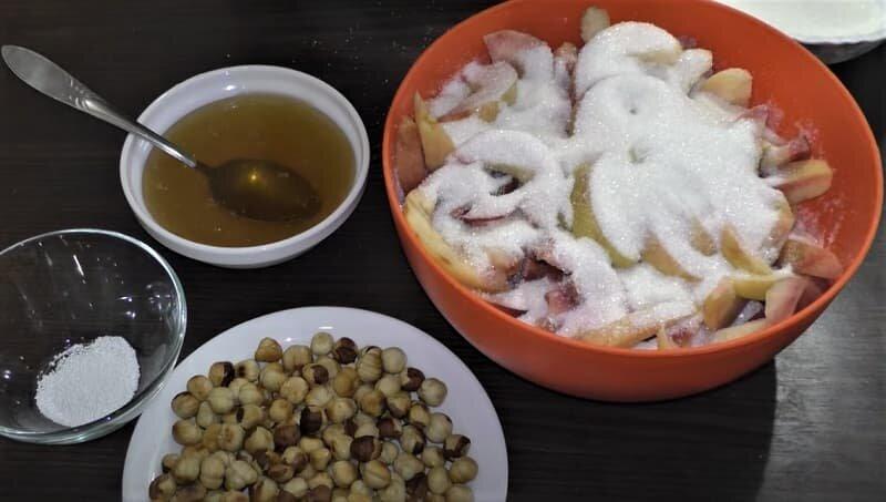 сахар на персиках