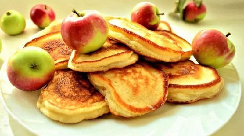 яблочные оладушки