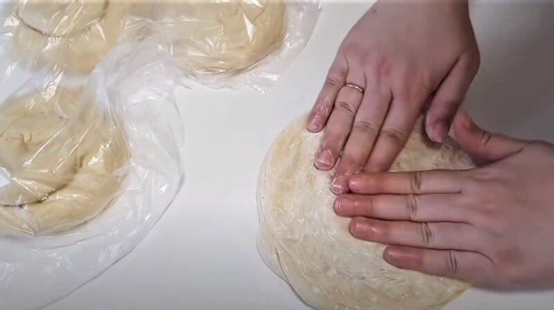 формирование лепешки ладошками