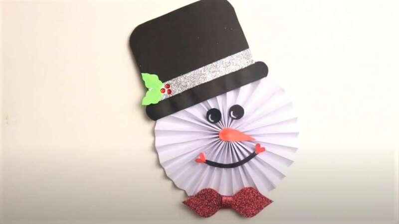 снеговик на новый год в шляпе
