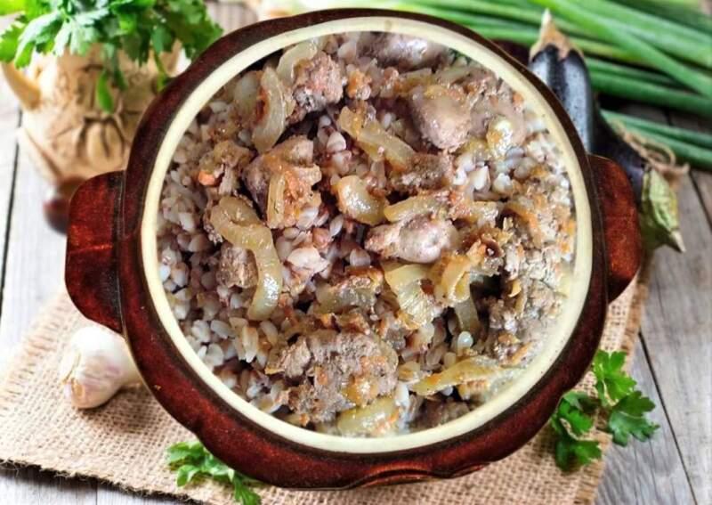 греча в горшочке с мясом