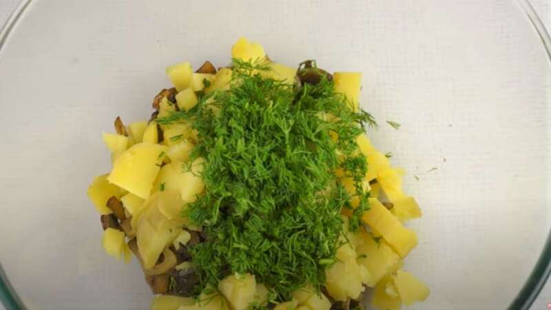 грибы, картошка, укроп