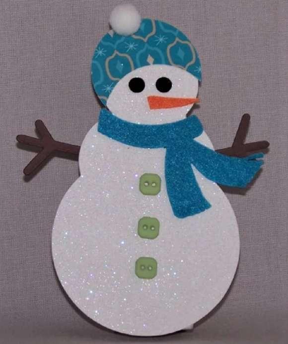 голубой шарфик на снеговике