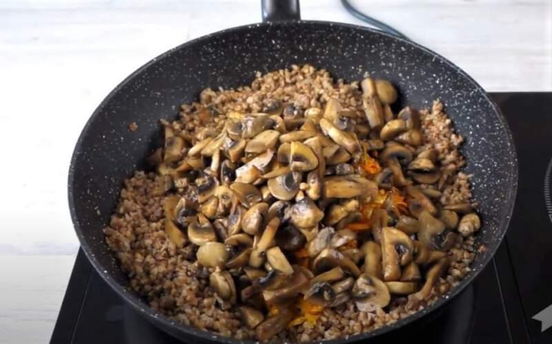грибы с гречкой