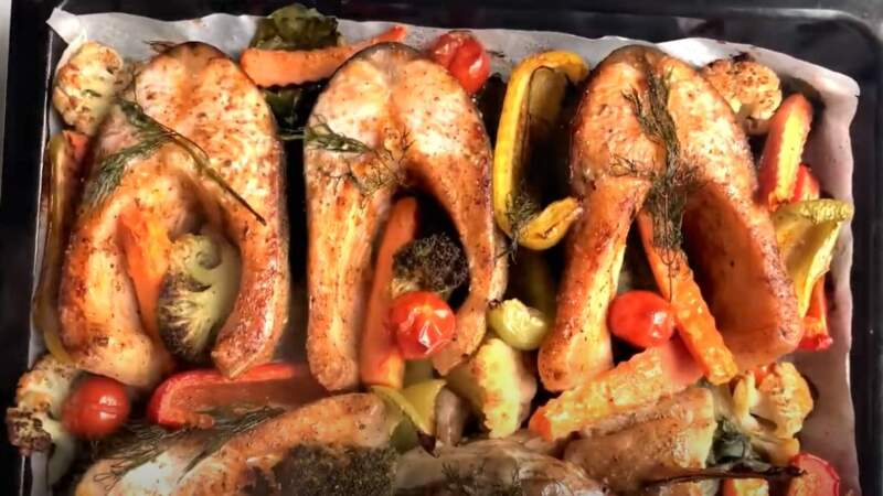запеченная форель и овощи