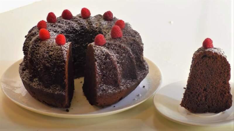 разрезанный большой кекс