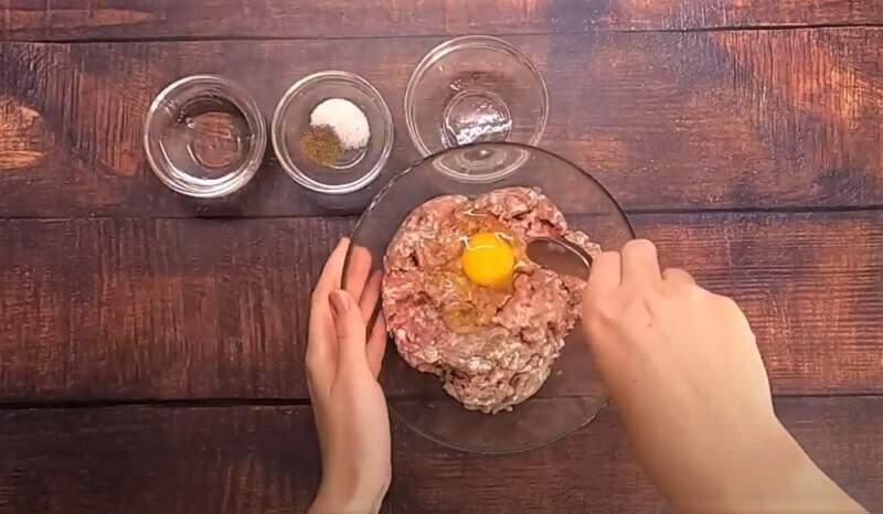 Чебуреки пузырчатые из хрустящего теста в домашних условиях
