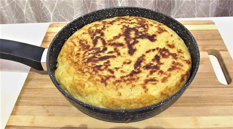 Картофельный пирог на сковороде. Рецепт быстрого пирога