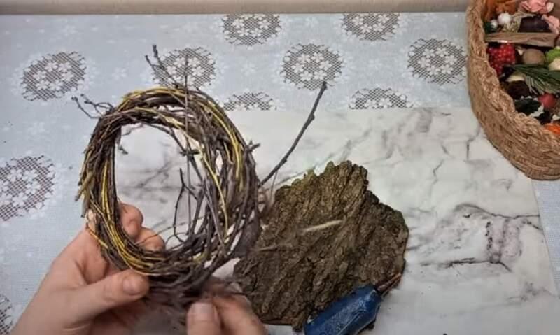 кольцо из веток