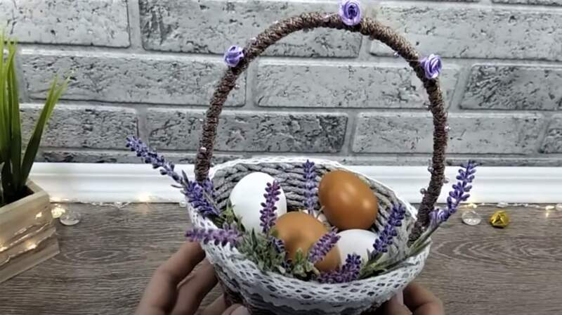 корзиночка с яйцами