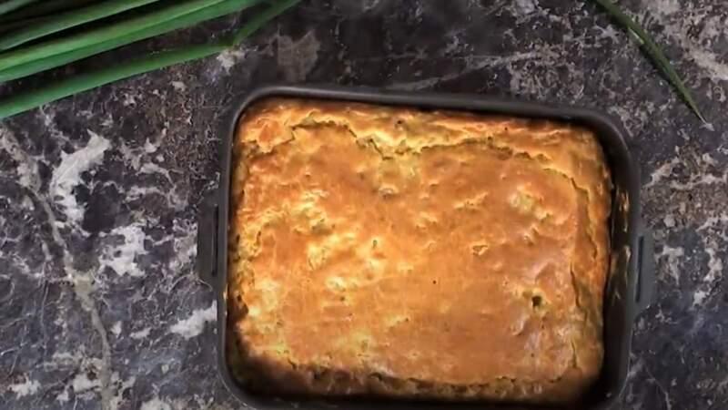 испеченный заливной пирог с фаршем