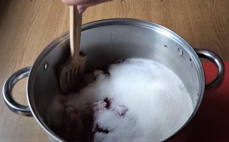 сахар с вишней
