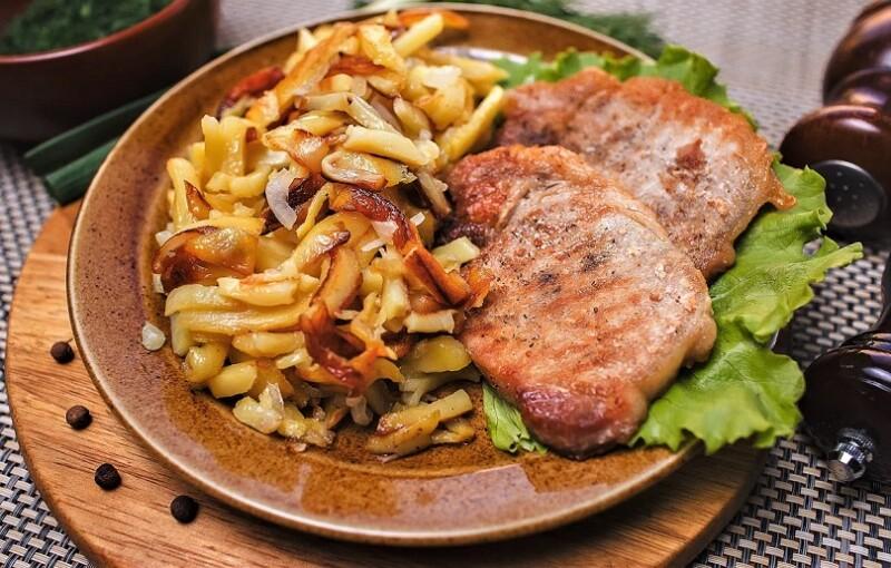 отбивные из свинины с картошкой