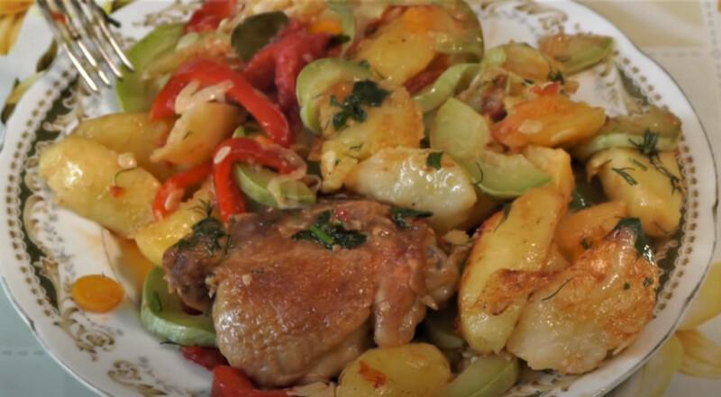 курица и кабачки с овощами